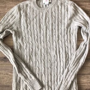 Vineyard vines gray cable knit sweater